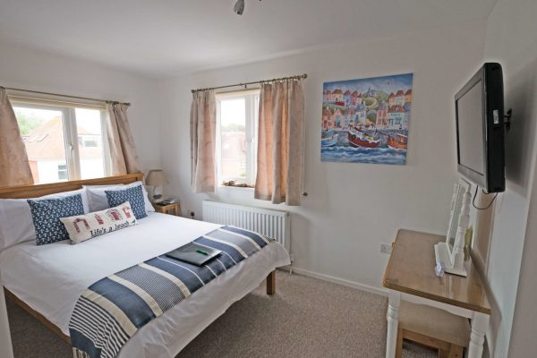 Room6_Double_bed